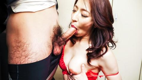 Marina Matsumoto horny MILF jav mature sucks deep in throat a big cock