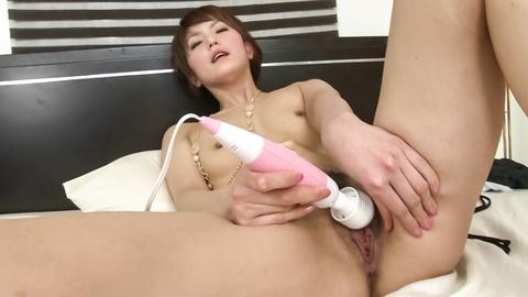 Saori bitch at home with hard Hitachi machine