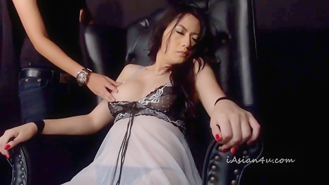 Beautiful JAV lesbian loves bondage sex hardcore free HD Uncen