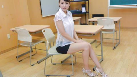 Japanese teacher, Yui Oba, in group action - JavHD
